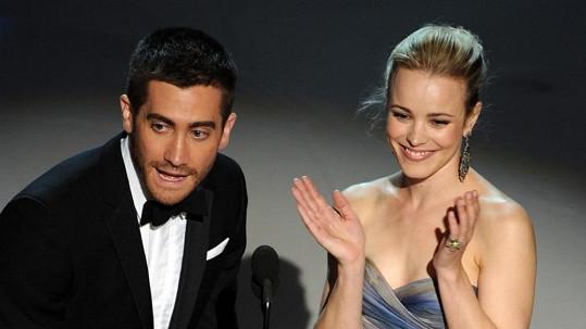 Jake Gyllenhaal se s Rachel McAdams setkal už na Oscarech v roce 2010.