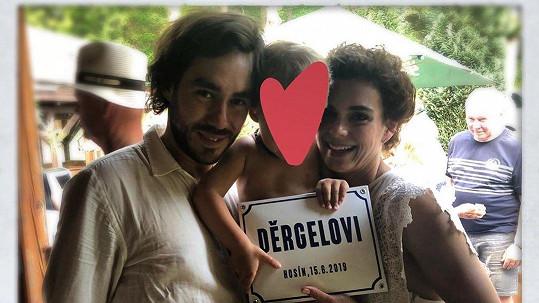 Patrik Děrgel a Markéta Frösslová na svatební fotce