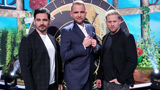 Zleva Vojta Kotek, Libor Bouček a Jakub Prachař v show Máme rádi Česko
