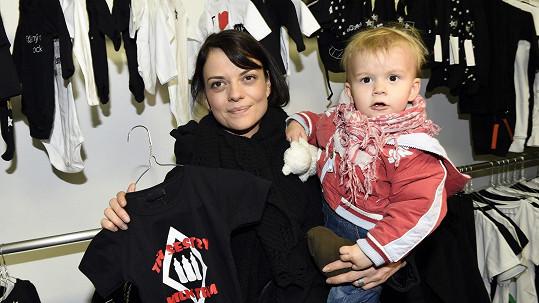 Jana Stryková se synem Jáchymem (archivní foto)