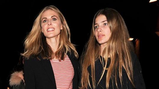 Donna Air a její dcera Freya vyrazily na koncert.