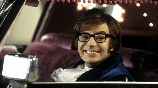 Mike Myers ve své nejznámější roli Austina Powerse se v osmačtyřiceti stane poprvé otcem.