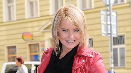Iveta Bartošová je opět ve formě.