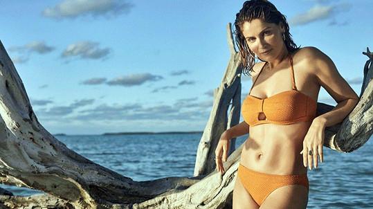 Laetitia Casta nafotila plavkovou kampaň.