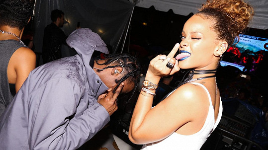Rihanna randí s Travisem Scottem