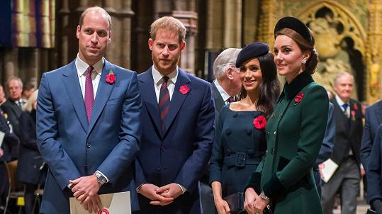 William, Harry, Meghan a Kate (zleva) na bohoslužbě u příležitosti 100. výročí ukončení první světové války