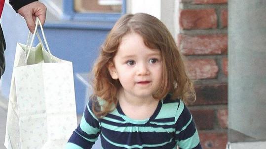 Satyaně jsou tři roky a nyní se těší na sourozence.