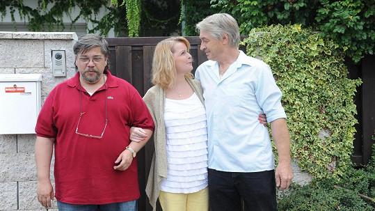 Iveta Bartošová s přítelem Josefem Rychtářem a léčitelem Janem Saavedrou