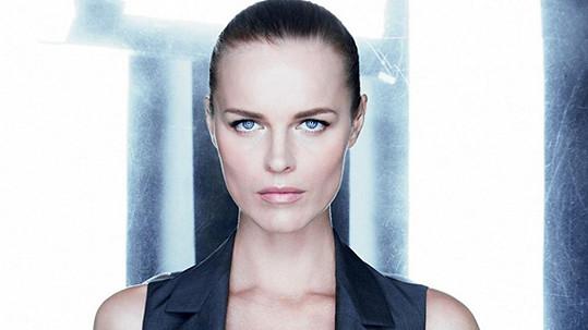 Eva Herzigová v kampani Dior.