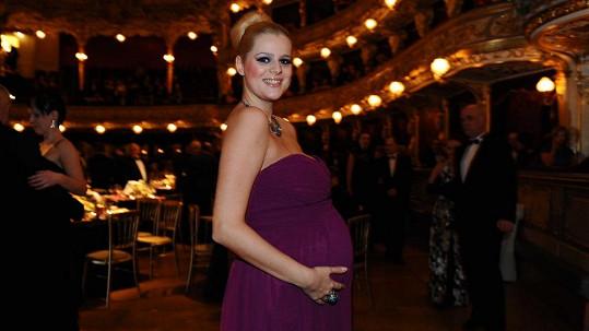 Ornella Štiková si v Opeře užila jen pár minut slávy, pak musela odejít.