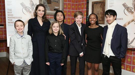 Angelina Jolie se pochlubila dětmi.