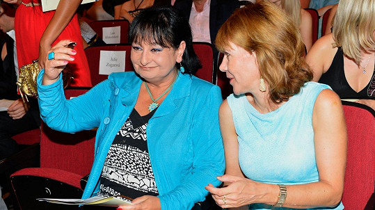 Eva Jurinová a Michaela Dolinová (vpravo)