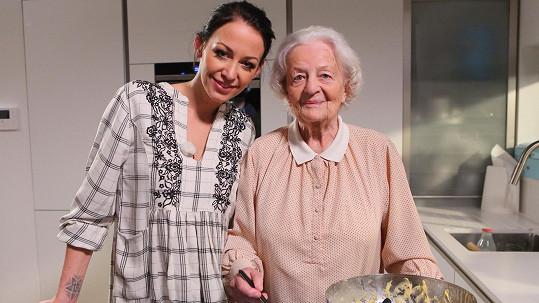 Prachařová bude v novém pořadu se svou babičkou.