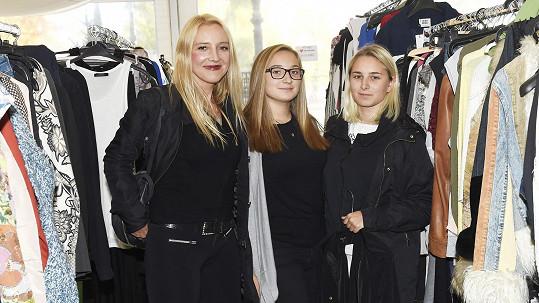Mirjam Landa s dcerami Roxanou a Rosalií