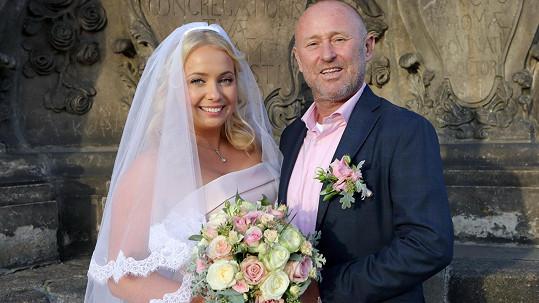 Markéta Mátlová se vdala za známého tenisového trenéra.