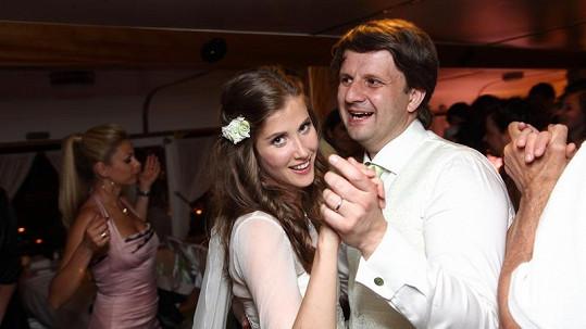 Povinný svatební taneček nedělal Janě ani Rudovi nejmenší problém.
