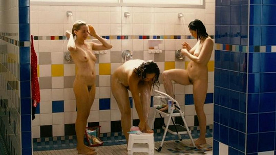 Herečky se pustily s odvahou do nahé scény.