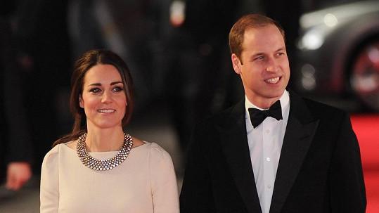 Kate a William na premiéře filmu o Mandelovi.
