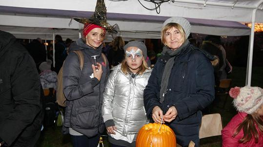 Ivana Jirešová s dcerou Sofií a maminkou