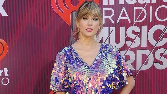 Taylor Swift byla velmi sexy.