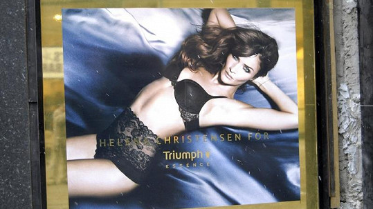 Helena Christensen se stala tváří značky Triumph.
