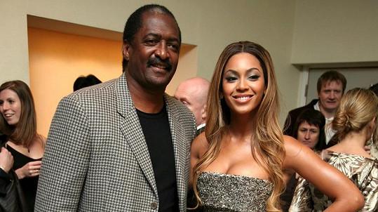 Beyoncé s otcem Mathewem Knowlesem
