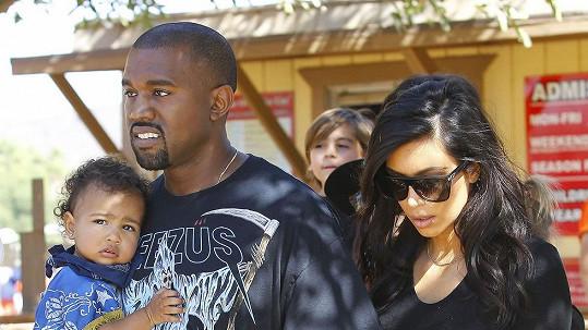 Kanye West s dcerou North a manželkou Kim Kardashian