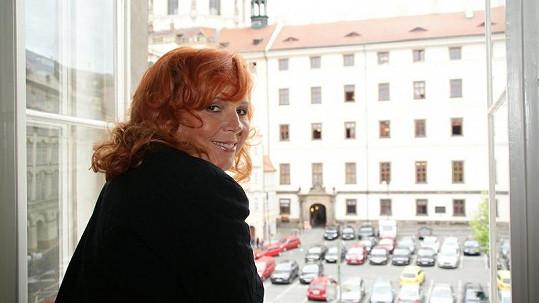 Marcela Holanová se kochala výhledem na Malou Stranu.