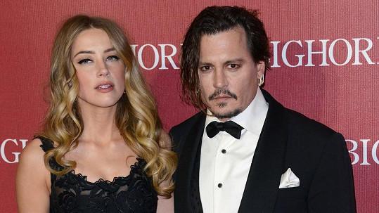 Amber Heard s Johnnym Deppem procházejí drsným rozvodem.