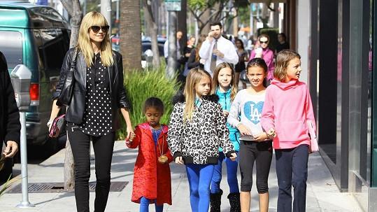 Heidi Klum je stále v obklopení dětí.