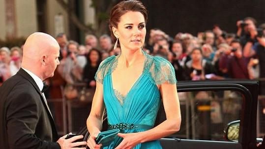 Vévodkyně Catherine opět zářila na červeném koberci.