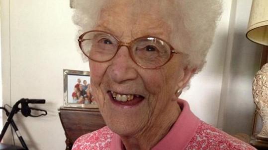 Edythe Kirchmaier nedávno oslavila 105. narozeniny.