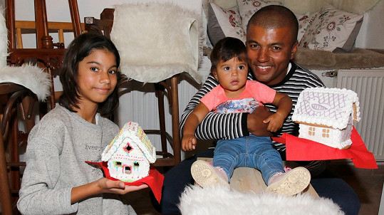 Rey Koranteng s dcerami Sofií a Leontýnkou
