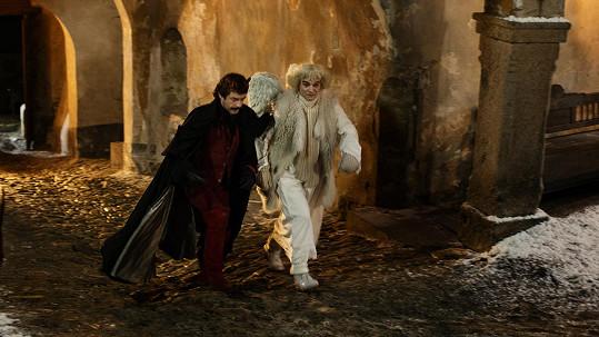 Jiří Dvořák a Ivan Trojan při natáčení Anděl Páně 2