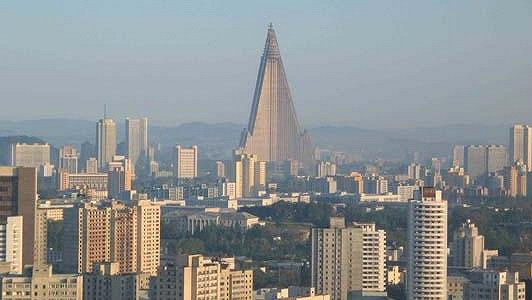 Největší hotel světa v Severní Korei má tři tisíce pokojů ve 105 podlaží.
