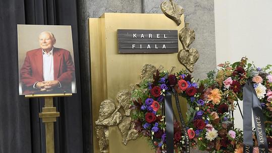 Pohřeb Karla Fialy