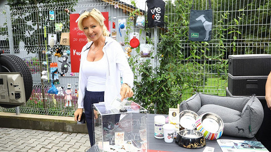 Kateřina Brožová podpořila psí útulek.