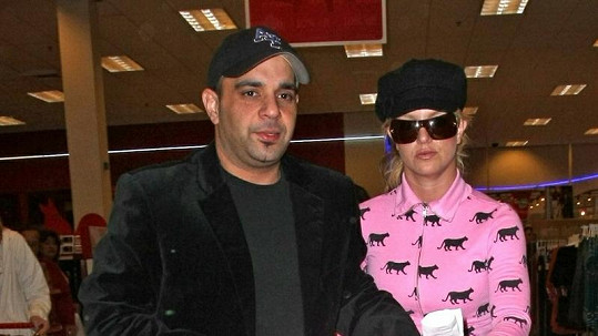 Sam Lufti se zpěvačkou Britney Spears v roce 2007.
