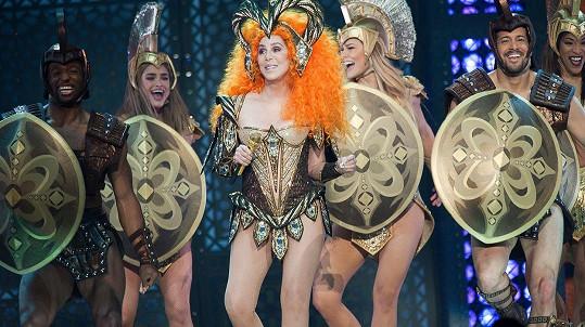 Cher odmítá stárnout.