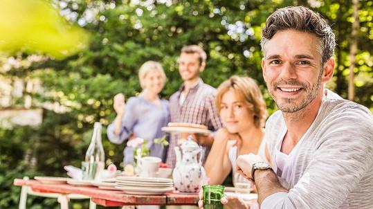 Domácí párty nemusí mít poklidný průběh. (ilustrační foto)