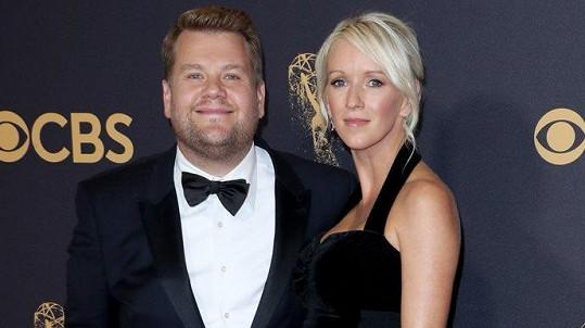 James Corden a jeho žena Julia se v úterý stali trojnásobnými rodiči.