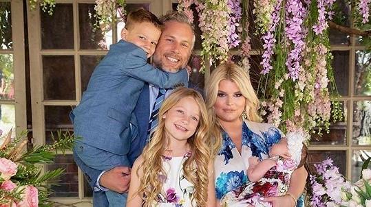 Jessica Simpson se pochlubila rodinnými snímky.
