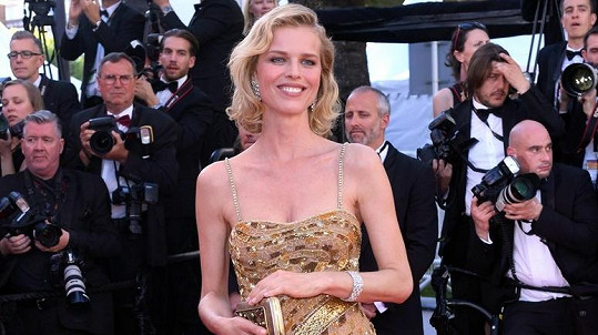 Eva Herzigová v Cannes