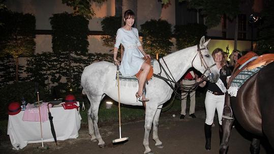 Beata Rajská je opět na koni.