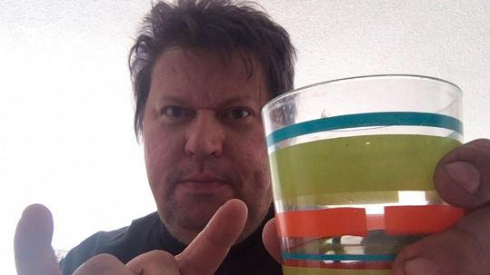 Finský muzikant opět zásobuje sociální sítě svými příspěvky a snímky.