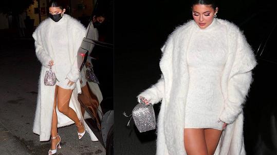 Sexy Kylie Jenner jen zářila.