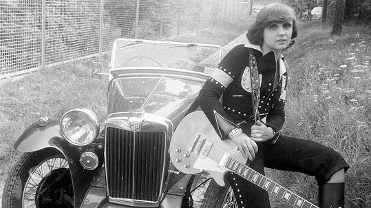 Začátky sólové kariéry Petry Janů před čtyřiceti lety.