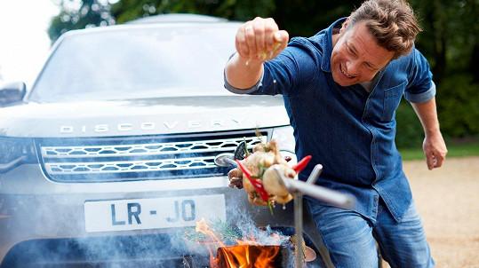 Televizní kuchař Jamie Oliver (42) se pochlubil novým autem s vestavěnou kuchyní.