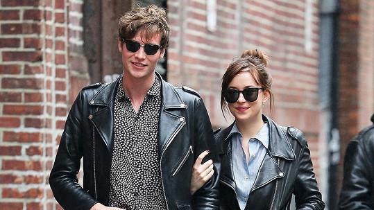 V květnu vypadali Dakota Johnson a Matthew Hitt ještě spokojeně.