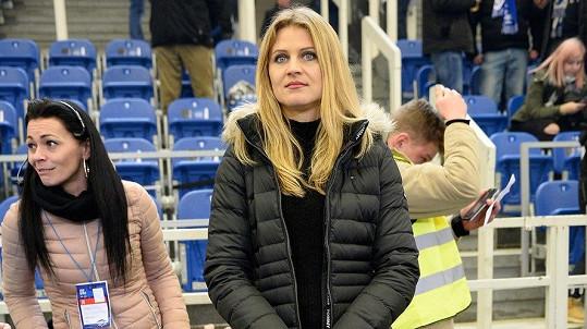 Lucie Šafářová nechyběla na prvním zápase Tomáše Plekance za Kometu Brno. Slavili ale sparťané.